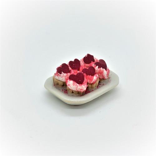 Cupcakes, Valentine (RND45) Dollhouse Miniatures