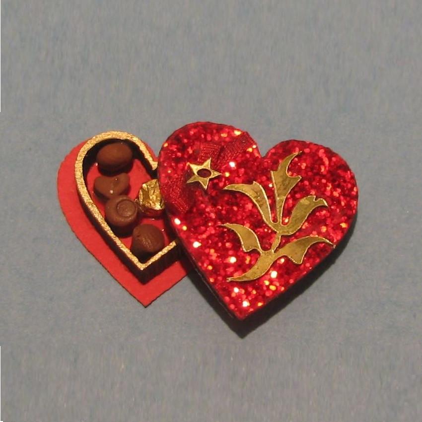 Dollhouse Miniature 1:12 Scale Heart Running Trim