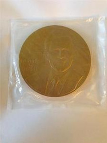 GEORGE W. BUSH 2001 UNITED STATES PRESIDENTIAL 3'' AND 1 1/2'' BRONZE MEDAL