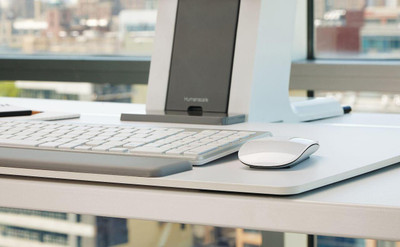 Humanscale QuickStand Small Platform with White with Gray Trim Finish Close up of Platform