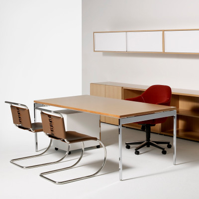 KnollStudio Saarinen Executive Arm Chair with Swivel Base, a true executive