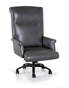 Extra Large Traditional Leather Swivel Chair in leather