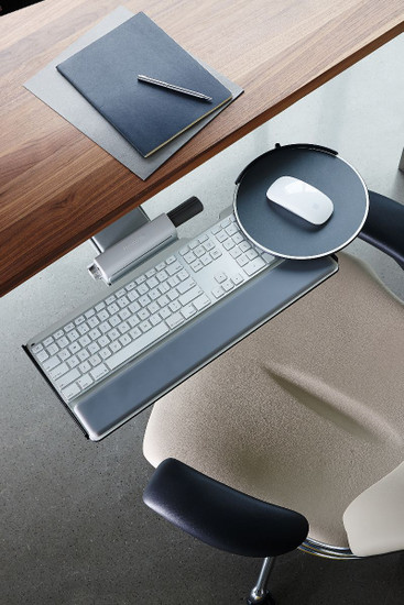 Humanscale Freedom Task Chair Contoured cushions