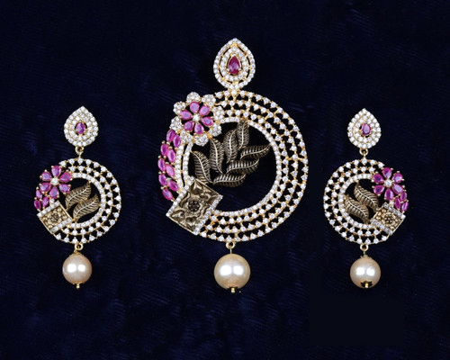 Gold plated pendant set