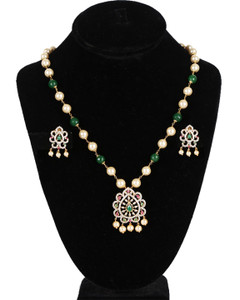 Traditional Party wear Indian Fashion Emerald Beaded Round Pearl Pendant Earrings Set