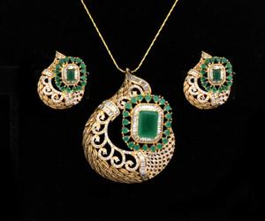 Women's Unique Handcrafted Golden Look Indian Designed Pendant Set with Emerald Stones jewelry