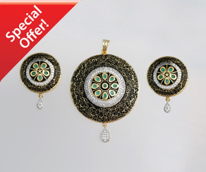 Green Emerald Stone Round Pendant and Earrings Jewelry Sets
