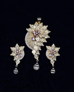 Women's Unique Handcrafted Indian Designer Bollywood Golden Look Pendant Set with Topaz Stones