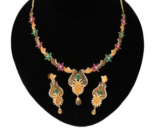 ruby and emerald necklace