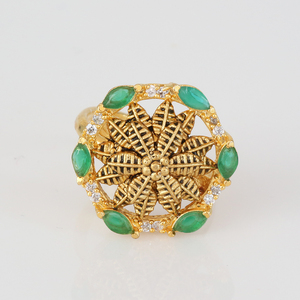 Emerald CZ flowery ring