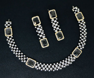 Rhinestones studded silver choker necklace