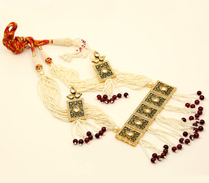 Handmade Garnet beaded Indian Meenakari Kundan necklace