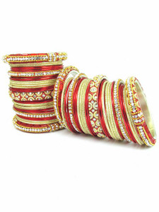 Light Weight Ornament Bangles in Red Color