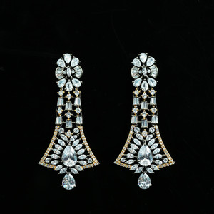 Antique Tone Gold plated Clear Crystal Rhinestone Dangle Drop earrings