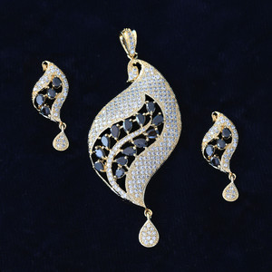 Unique Design Bollywood Fashion Handcrafted Golden Look AD Pendant Earrings