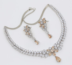 Zircons Topaz CZ Crystal Flower Floral Rhodium Plated Brass Collar Necklace