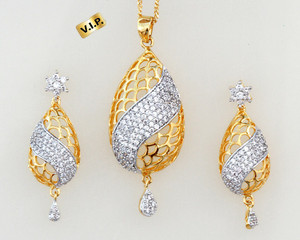 Gorgeous fashion pendant set with simulated White cubic American Diamond stunning jewelry