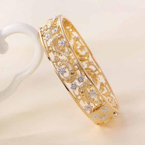 18 karat Gold color bracelet