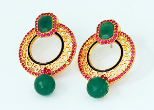 Emerald and fuchsia stone earrings