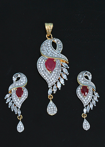 Fuchsia zircons necklace