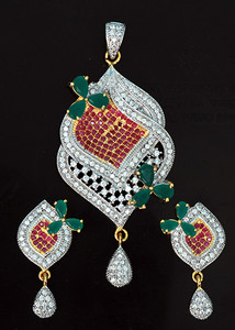 Emerald,White CZ pendant set