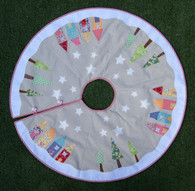 A great Tree Skirt to add to your festive decorating