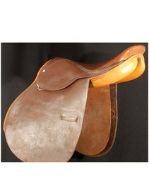 "Coventry 17"" Close Contact Used Saddle"