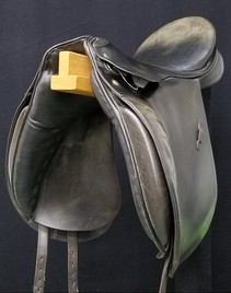 "Passier Grand Gilbert 17.5"" Used Saddle USD402"