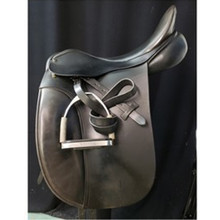 "County WB 18"" Wide Tree Used Dressage Saddle"