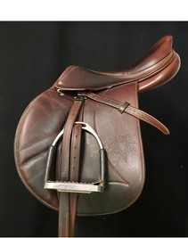 """Voltaire Palm Beach 17""""  Used Close Contact Saddle"""