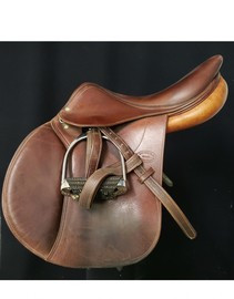 "Devoucoux Socoa 16 1/2"" Close Contact Used Saddle"