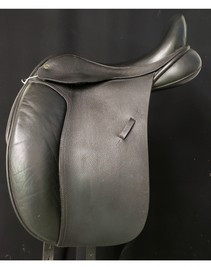 """Black Country Eloquence 17 1/2"""" Used Dressage Saddle"""