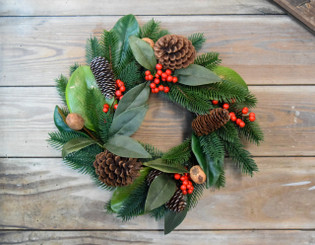 CHESTNUT BERRY WREATH - 16""