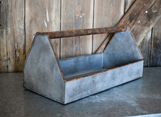 "GALVANIZED TOOL BOX - 15.7"" x 7.5"" x 7"""