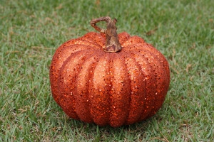 GLITTER PUMPKIN - MD - 7.25""