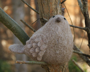 WOOLY BIRD STANDING - TAN