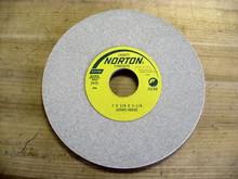 Norton #66252939557  7X1/4X1-1/4 32A80H8VBE Wheel New