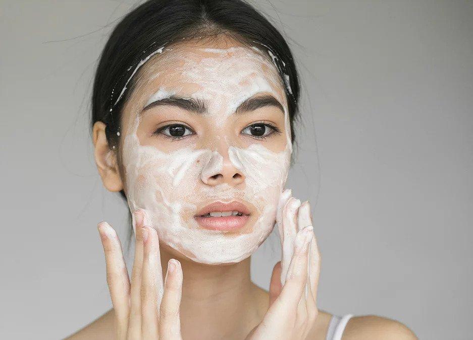 create a hydrating skin routine