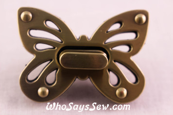 Large Butterfly Twist Lock in Brushed Antique Brass