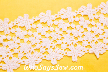 7.5cm Wide Vintage Feel Crochet Cotton Lace Trim By The Metre in Snow& Natural White. C035
