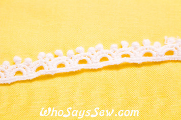 0.9cm Wide Vintage Feel Crochet Cotton Lace Trim By The Metre in Snow& Natural White. C033