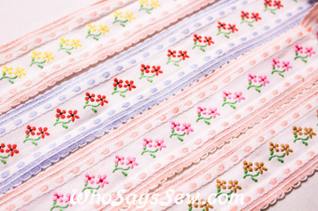 3.8cm Wide Embroidered Cotton Lace Trim By The Metre in 4 Colours. Vintage Feel.