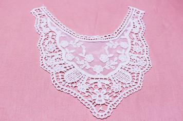 Medium Cotton Lace Collar/Yoke in Snow& Natural White (0518)