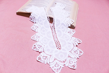 Large Long Cotton Lace Collar/Yoke in Snow& Natural White (0549)