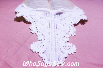 Large Cotton Lace Collar/Yoke in Snow& Natural White (0554)