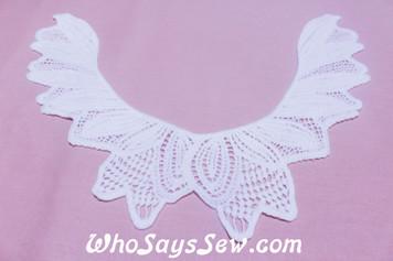 Medium Cotton Lace Collar/Yoke in Snow& Natural White (0298 )