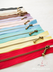 Antique Brass Metal Closed-ended Zipper in 10 Colours in 15cm or 20cm. Suitable for Bags
