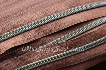 (#5) Zipper Tape Only- 1m ANTIQUE BRASS METAL LOOK Nylon Coil Chain/Continuous Zip in 859 MEDIUM BROWN TAPE.