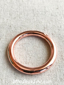 "3.1cm (1 1/4"") Alloy Round Edge O-Rings in Rose Gold"