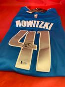 Dirk Nowitzki Autographed Jersey Beckett COA #5002